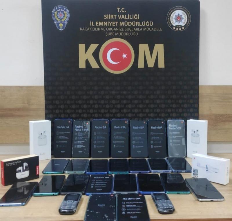 72 Bin TL Değerinde Kaçak Cep Telefonu Ele Geçirildi