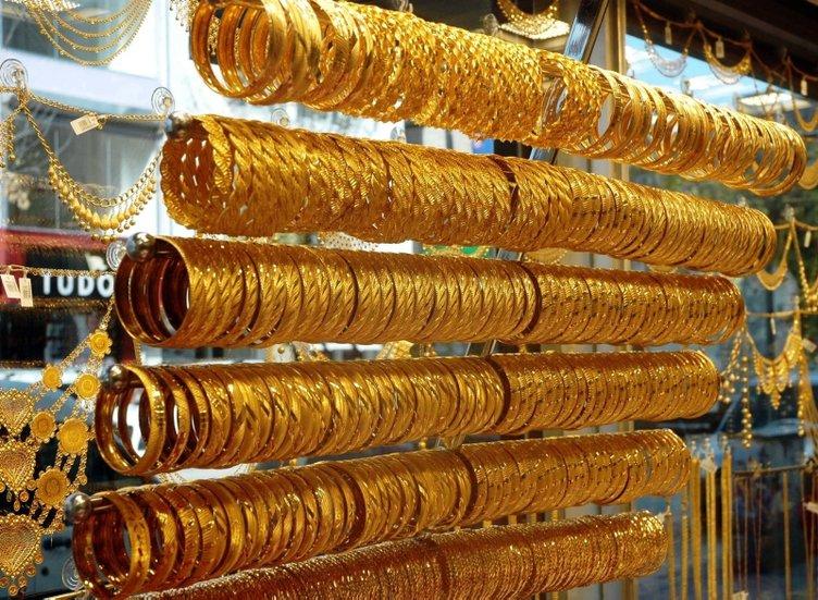 Altın fiyatları düştükçe düşmeye devam ediyor