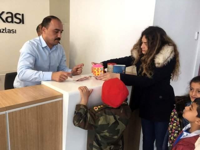 Köy okulu öğrencilerinden Mehmetçiğe anlamlı destek