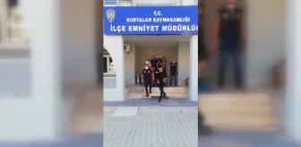Kurtalan'da bir araçta yapılan aramada biri çocuk 2 düzensiz göçmen yakalandı.