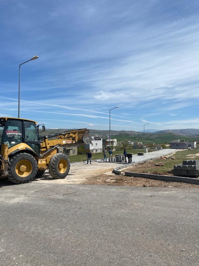 KUrtalan'da Kilitli Parke Yol Çalışmaları Sürüyor