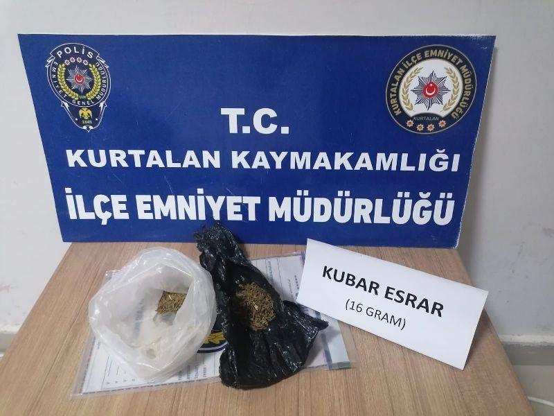 Kurtalan'da Polis Ekipleri Durdurduğu Şahsın Üzerinden 16 Gram Kubar Esrar Yakaladı