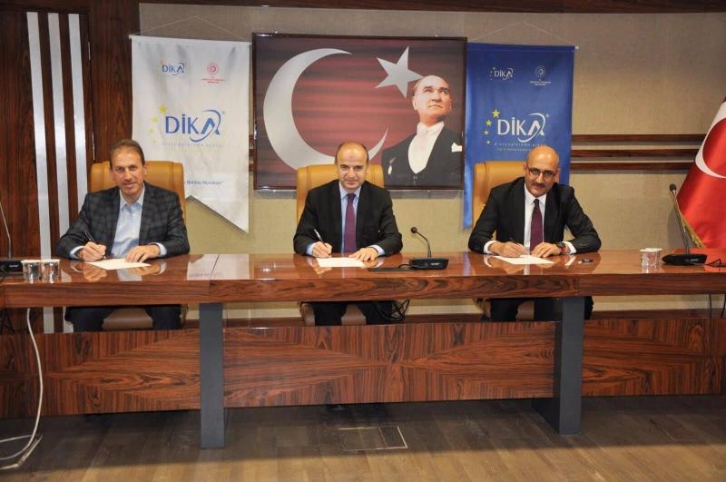 """Kurumsal Sosyal Medya Yönetimi ve E-Ticaret Eğitimi Teknik Destek Sözleşmesi"""" İmzalandı"""