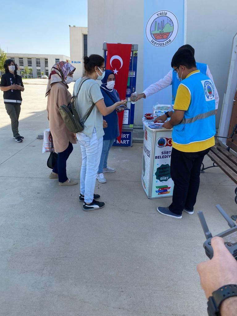 Siirt Belediyesi Kültür ve Sosyal İşler Müdürlüğü, Siirt Üniversitesi Kezer Kampüsünde tanıtım standı açtı.