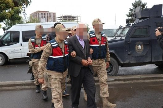 SİİRT VE VAN'DA PKK OPERASYONUNDA 3 MUHTAR VE KORUCU BAŞINA GÖZALTI