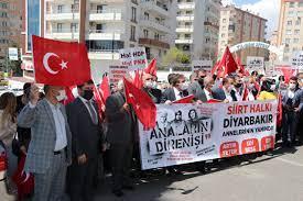 Siirt STK temsilcilerinden Diyarbakır'da evlat nöbetindeki ailelere destek ziyareti